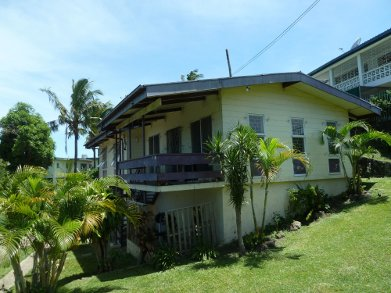 Fiji volunteer home stay