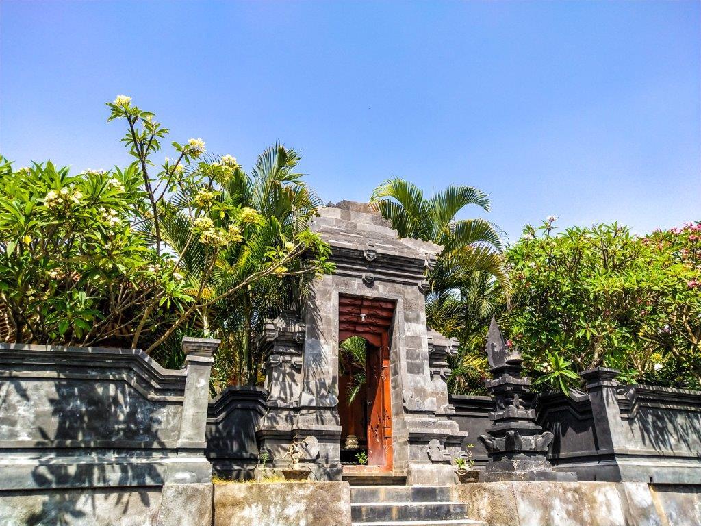 balinese temple in suraya