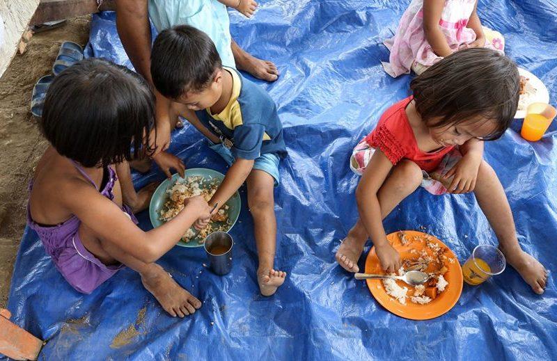 street children 800x519 - Philippines