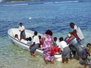 Volunteer teaching in fiji with IVI