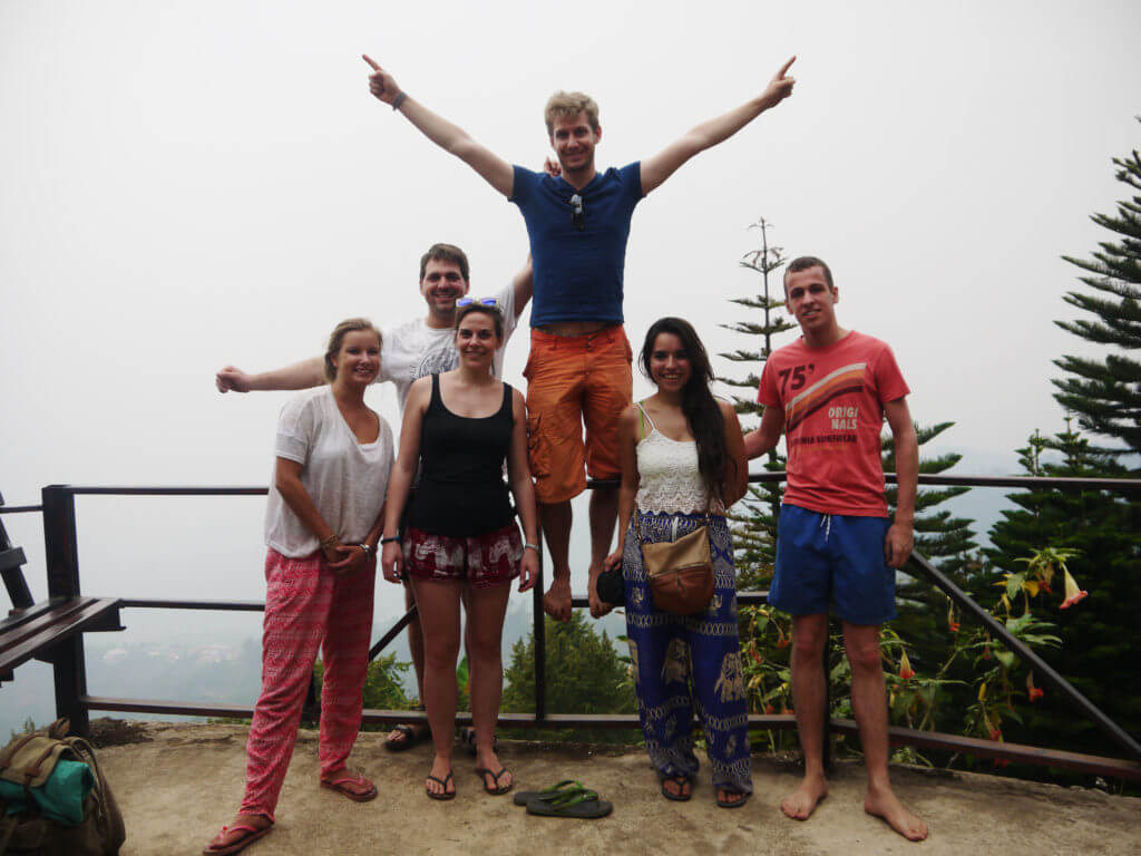 volunteers on a gap year in thailand