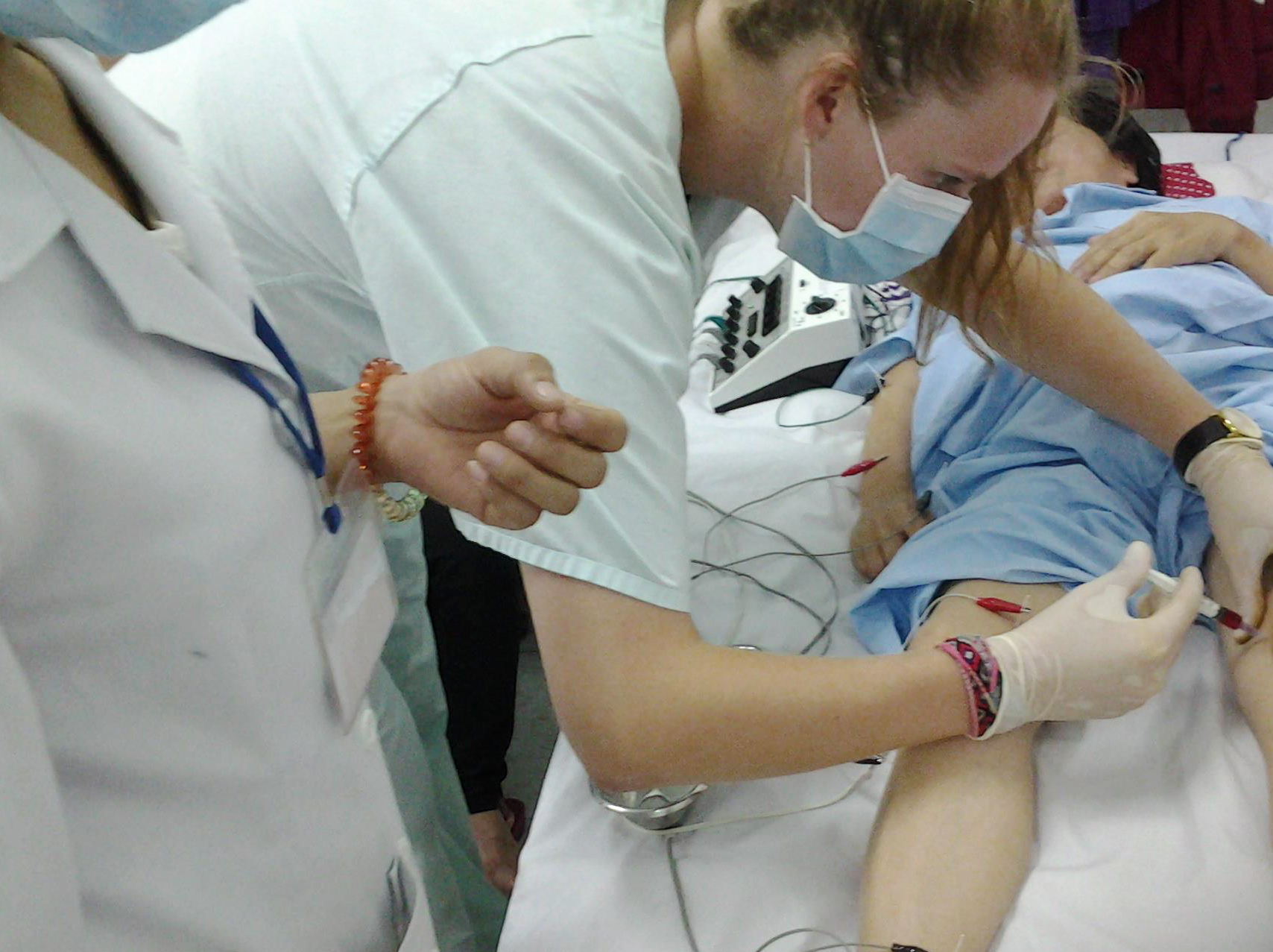 _Injecting a patient