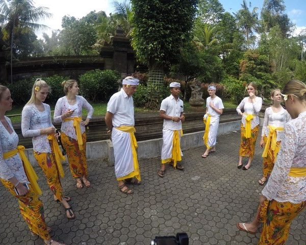 cultural ceremony for volunteers on orientation week bali