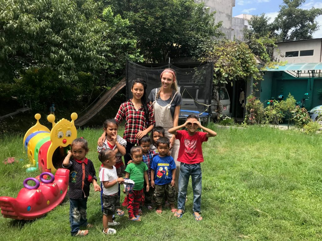 Nepalese children with Georgina 1024x768 - Nepal Kindergarten Volunteering Feedback