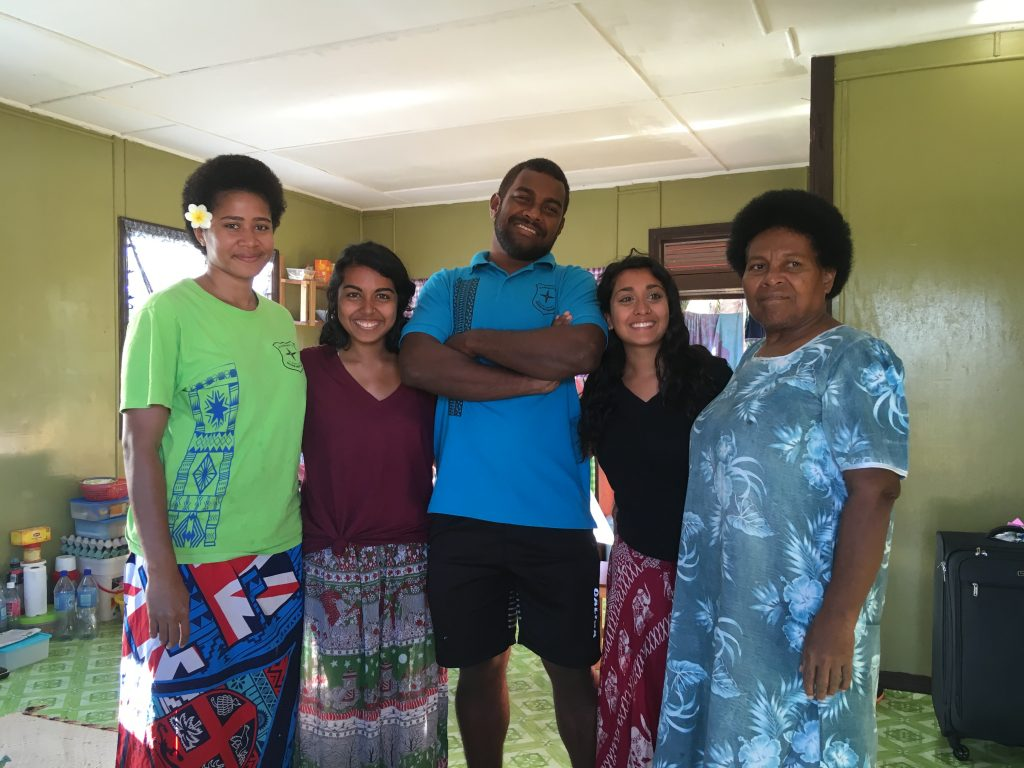Volunteer in fiji with host family nice photo 1024x768 - Island Teaching in Fiji Feedback