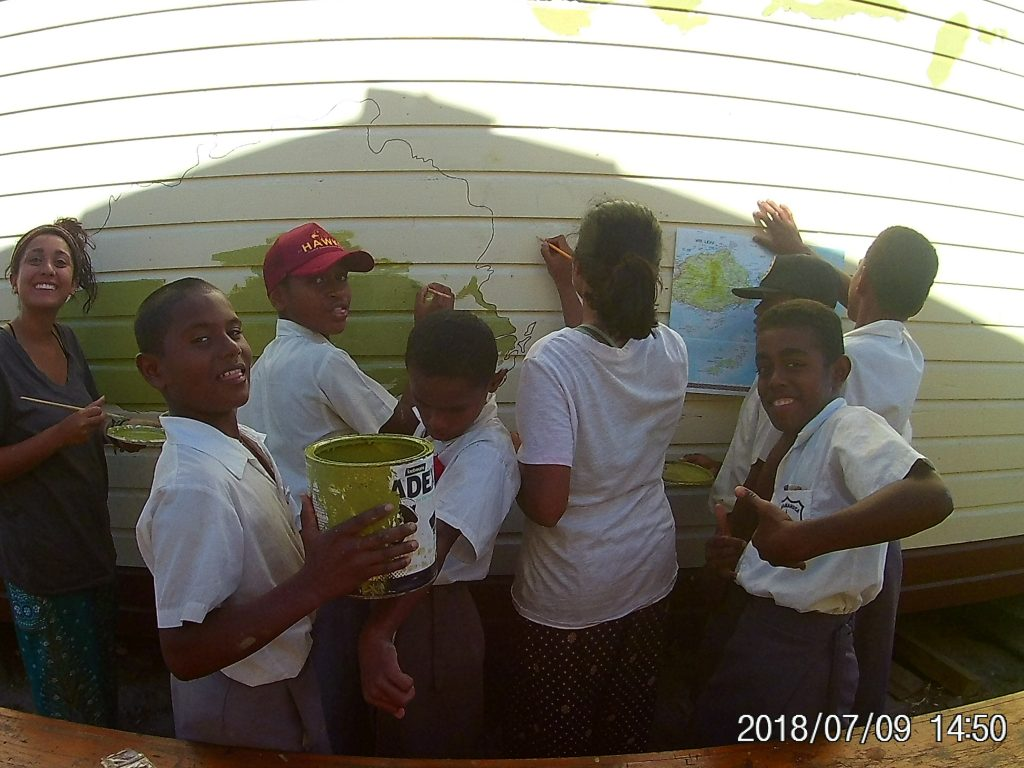 island school children helping out in the painting effort 1024x768 - Island Teaching in Fiji Feedback