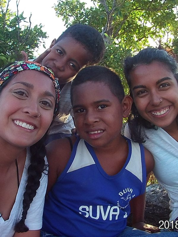 namish and sarika with fiji children 600x800 - Island Teaching in Fiji Feedback