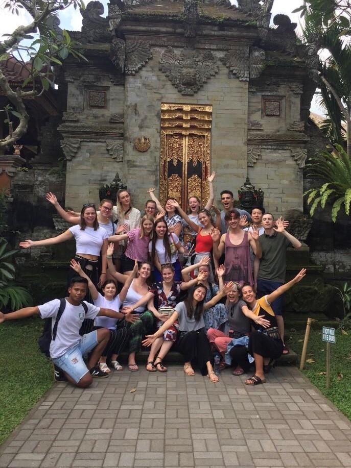 IVI volunteers in bali having a fun time!