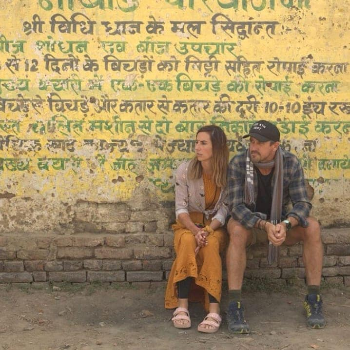 el and lee in front of grafiti india - Survivor couple Elena Rowland & Lee Carseldine in Bodhgaya, India