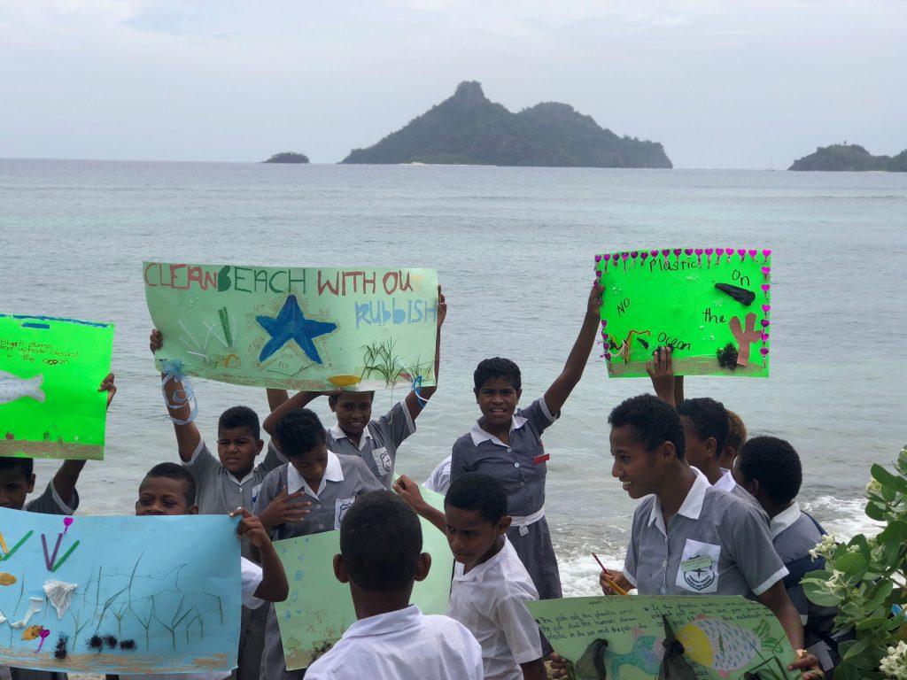 fijian school children volunteering IVI 1024x768 - Feedback Primary School Teaching Suva