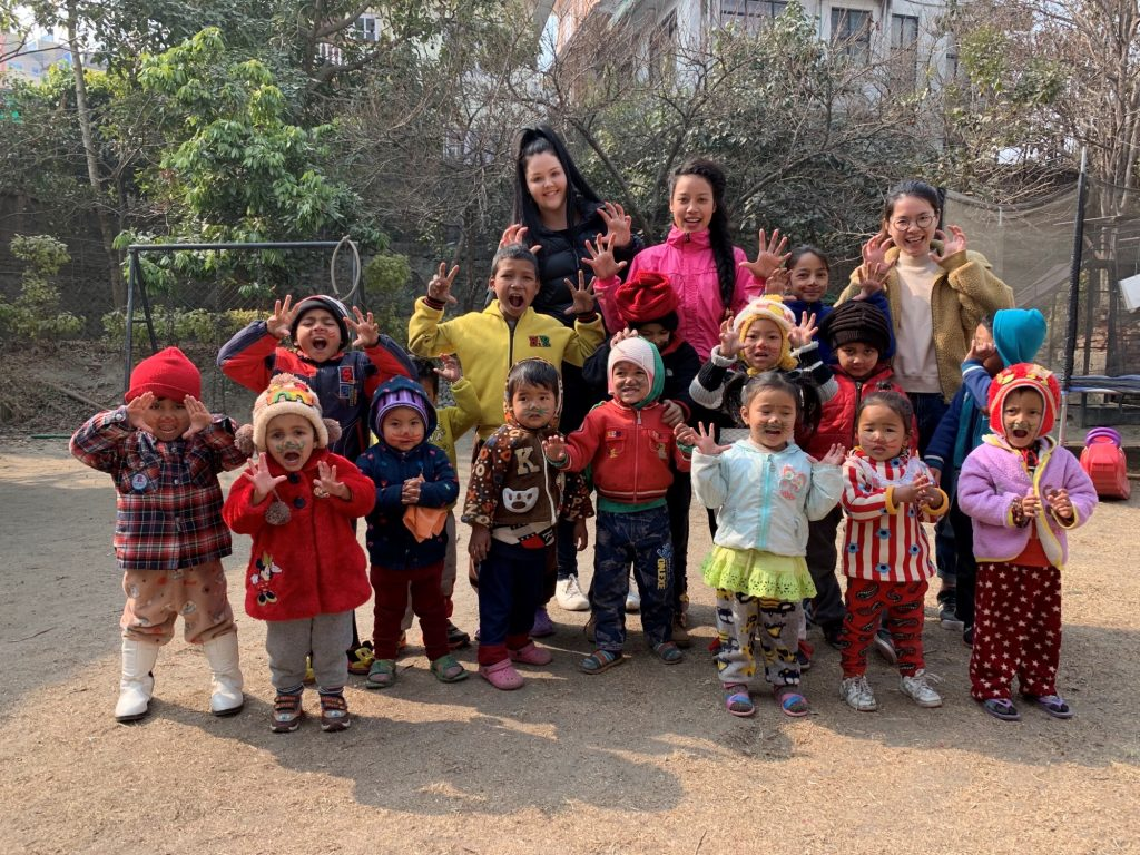 kindergarten kids doing funny face nepal 1024x768 - Nepal Kindergarten Review