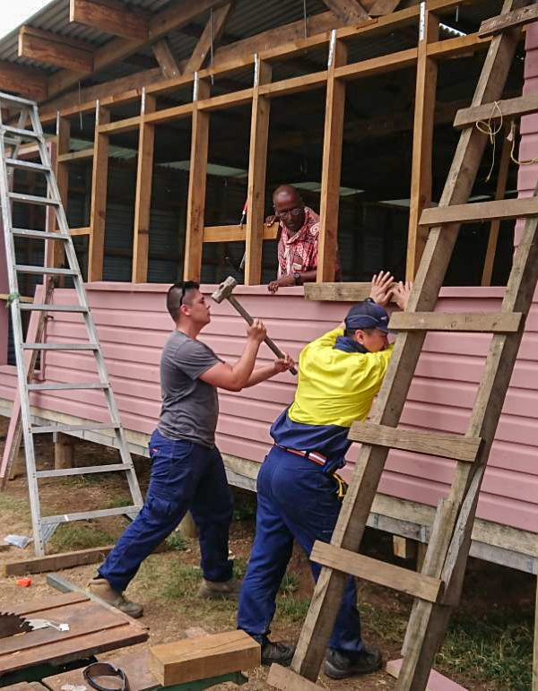 IVI voluntter working on fiji building project