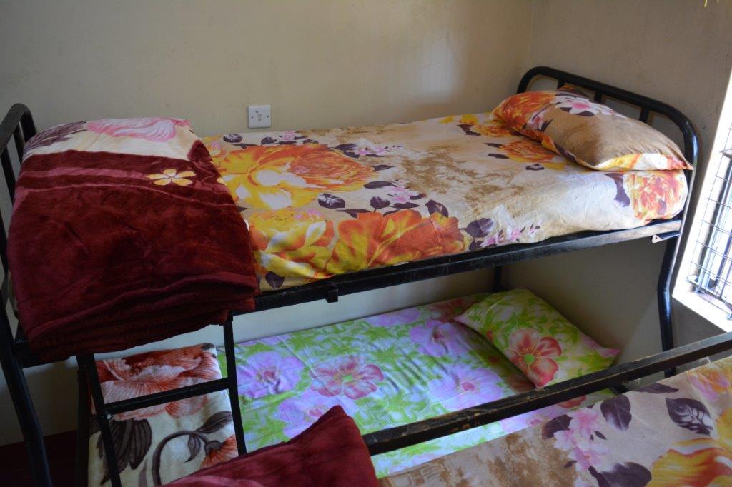 Room interior - Bed(1)