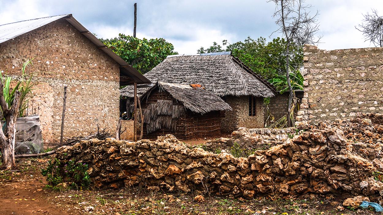 huts in Kenyan village