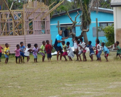 school kids playing games