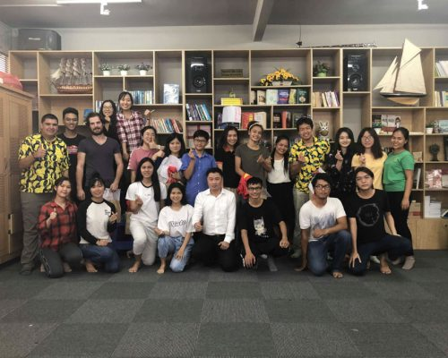 Group photo of participants with students- Ho Chi Minh