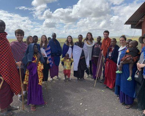Group photo with maasai people (2)