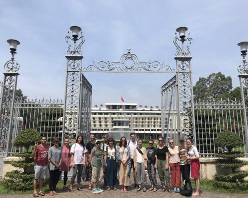 Independence Palace - Group photo (1)