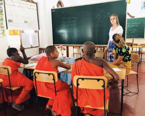_Kandy Teaching Monks