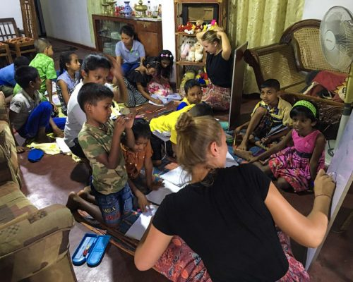 Kandy teaching project with IVI volunteers