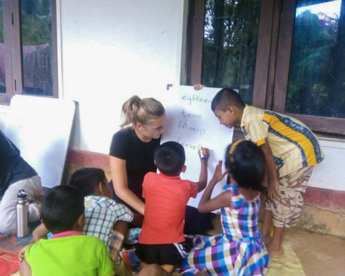 Kandy teaching project with involvement volunteers international