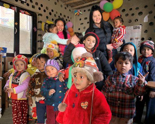 Kindergarten volunteering nepal Taylor with IVI