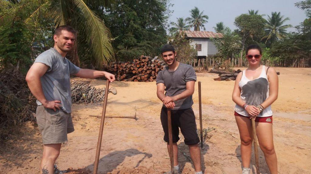 volunteer myanmar with IVI