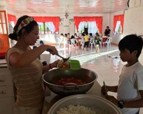 feeding children in the Philippines