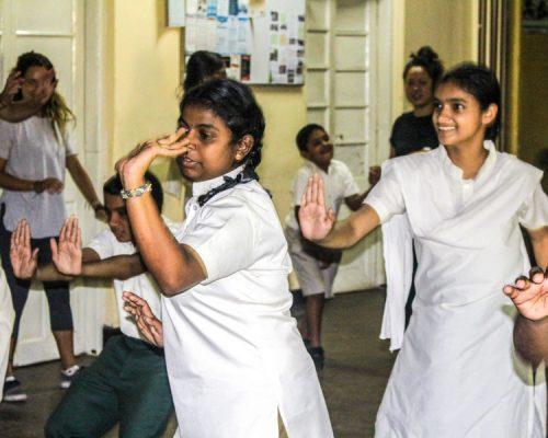 sri lankan children dancing