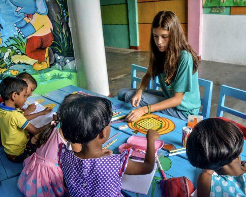 Sri Lanka kindergarten Teaching volunteering with IVI