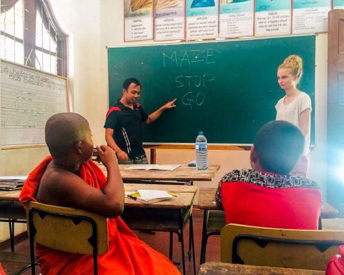 Teaching-Monks_Sri Lanka