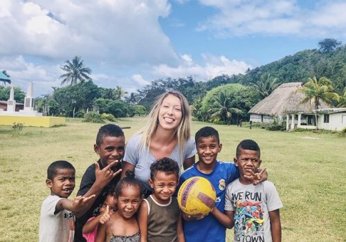 fiji volunteering sports and english teaching program with IVI