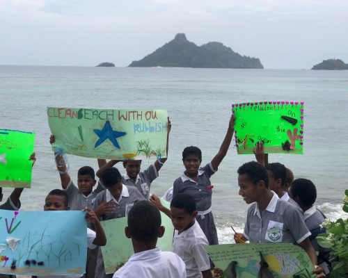 fijian school children volunteering IVI