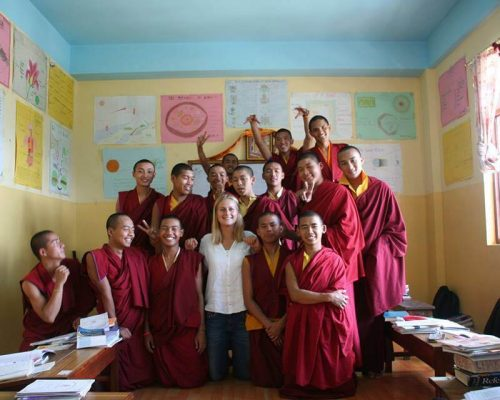 experience new cultures buddhism volunteering