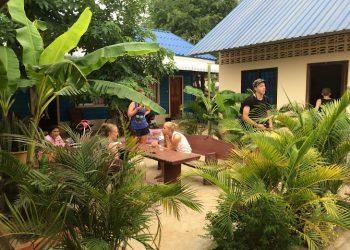 samraong communal eating areas for volunteers abroad
