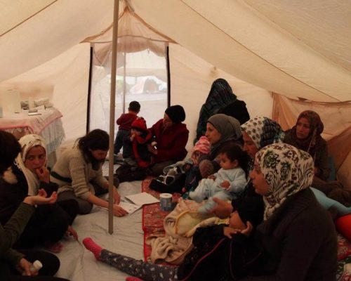 syrian woman assistance refugees greece